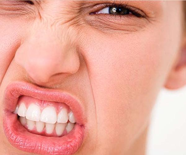 apretar dientes por estrés